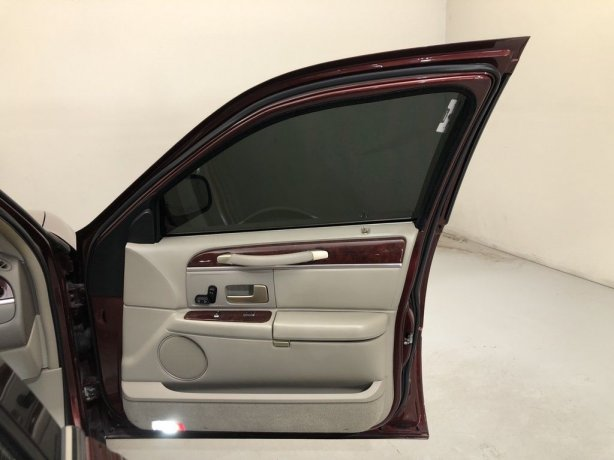 used 2004 Lincoln Town Car for sale near me