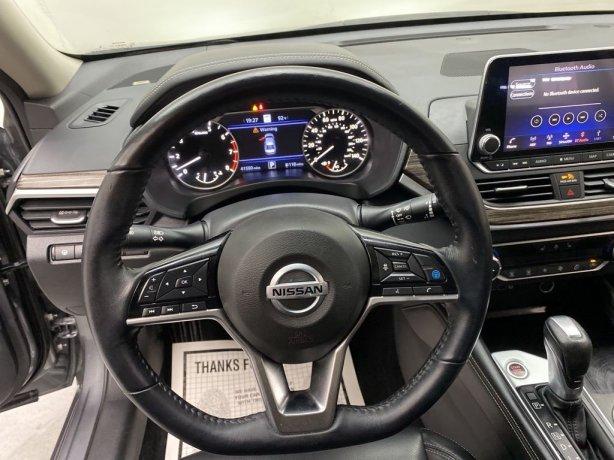 used 2020 Nissan