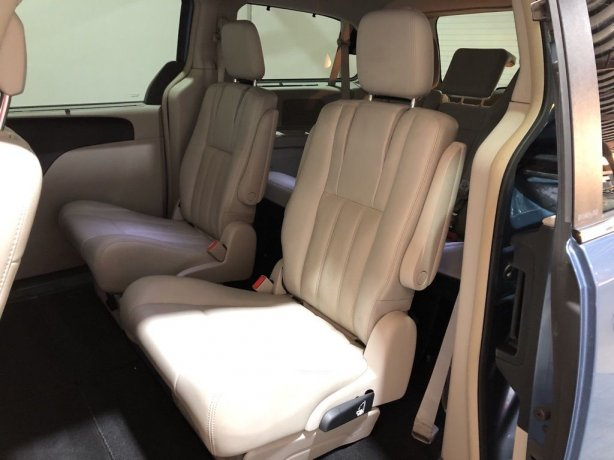2011 Chrysler Town & Country for sale Houston TX