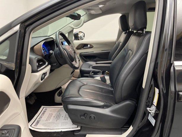 Chrysler 2017