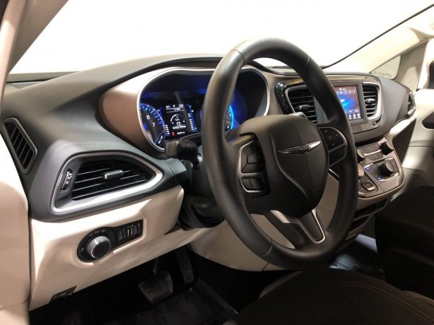 Chrysler 2018