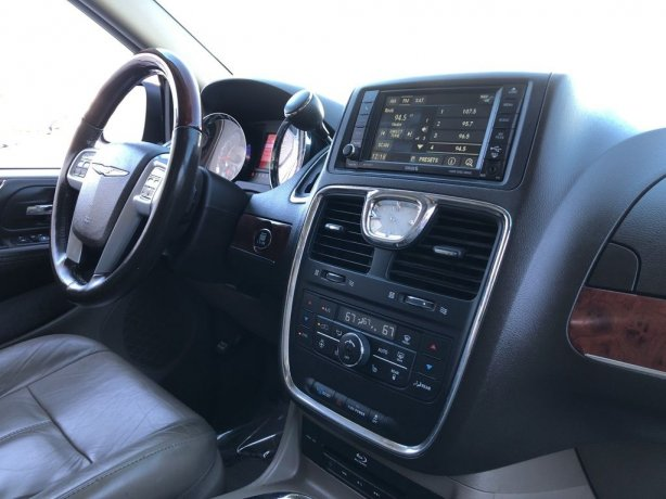 cheap used 2014 Chrysler Town & Country for sale