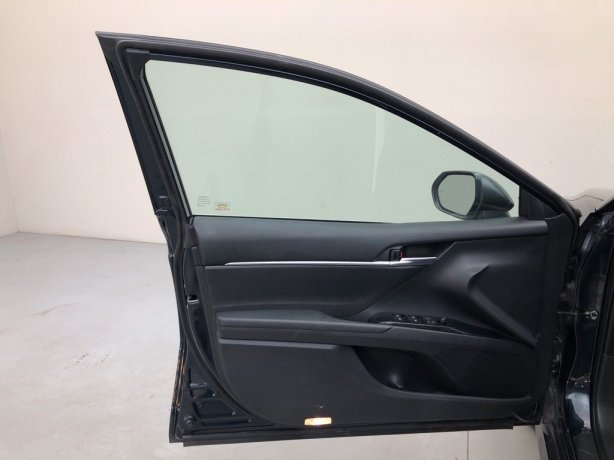 used 2018 Toyota Camry Hybrid