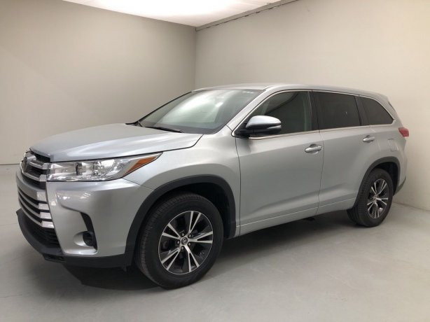 Used 2017 Toyota Highlander for sale in Houston TX.  We Finance!