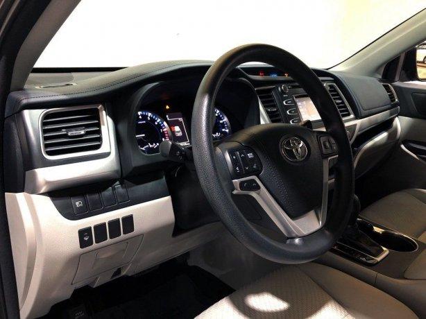 used 2017 Toyota Highlander for sale Houston TX